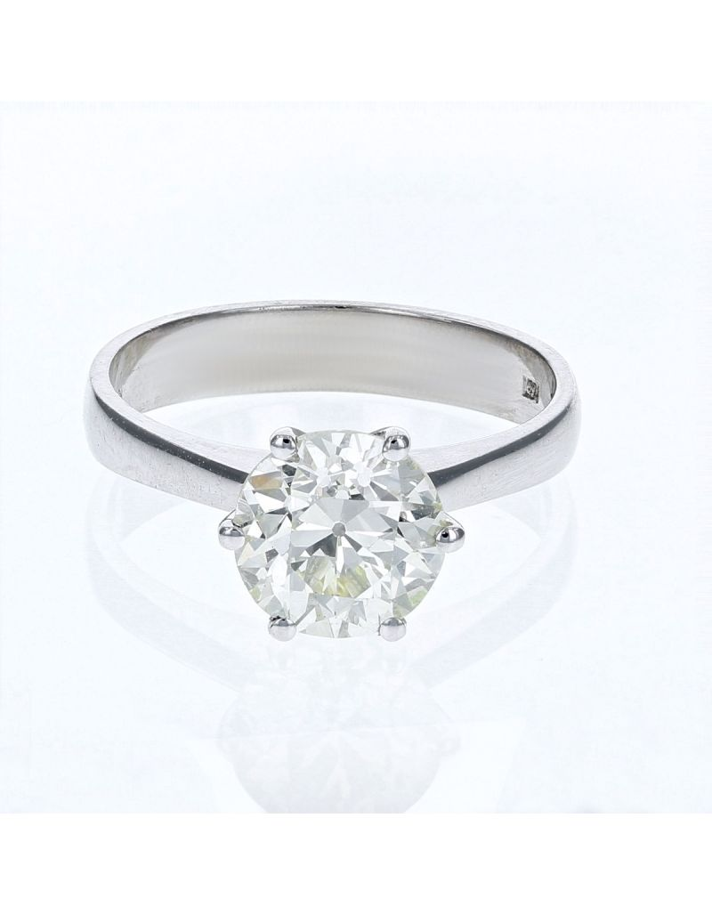 The Olivia Collection Round Brilliant 2.12 Carat AGI Certificated Diamond Ring Set In 18 An Carat White Gold Shank